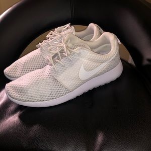 "Nike Shoes - Nike Roshe Run ""Triple White""."